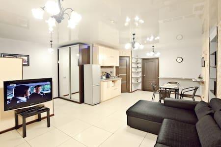 Отличная 2х комнатная квартира - Vlagyivosztok - Lakás