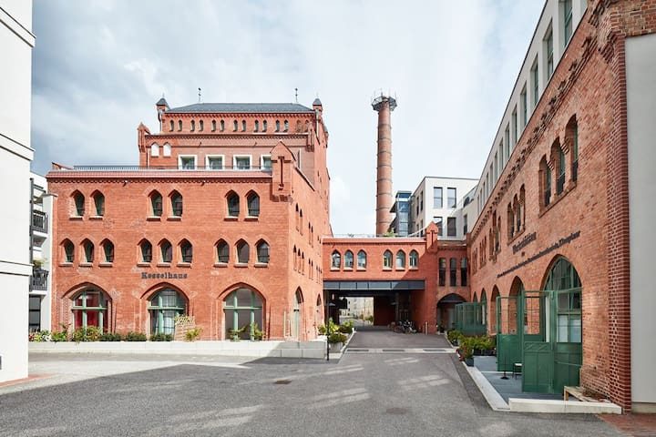 Complete Maisonette in old brewery + own parking