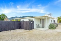 Kapanga 2 Apartment  ~ Kia Ora & welcome. Exclusive off-street secure parking for guests.