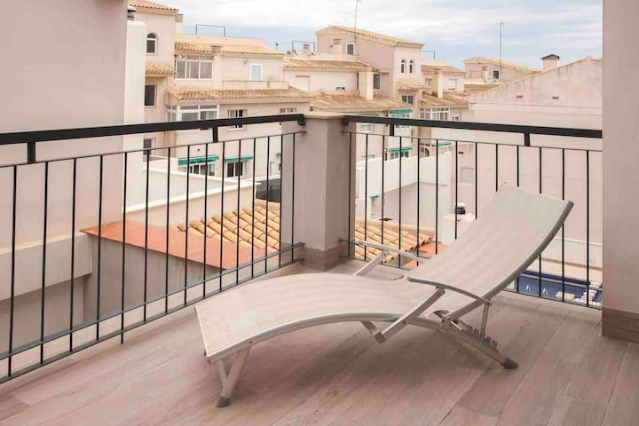 Modern apartment in Old Altea with private parking