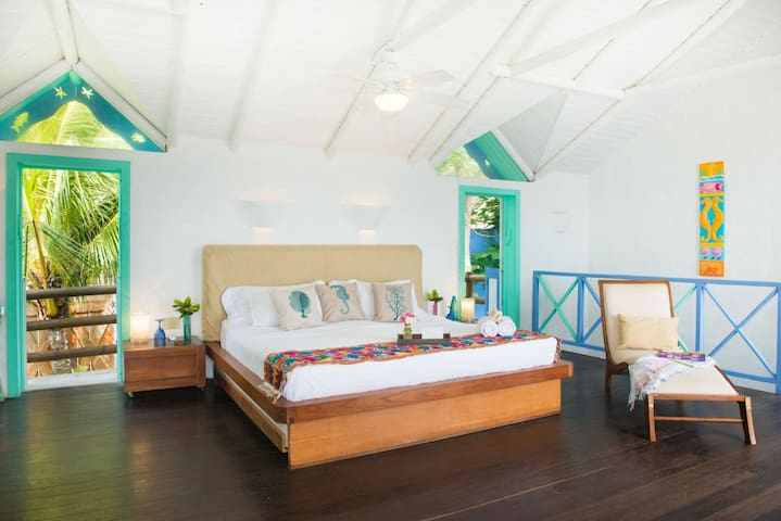 Monasterio Del Viento, Providencia,Oceanfront, Rustic Luxury Home Pool, Deck, Island view
