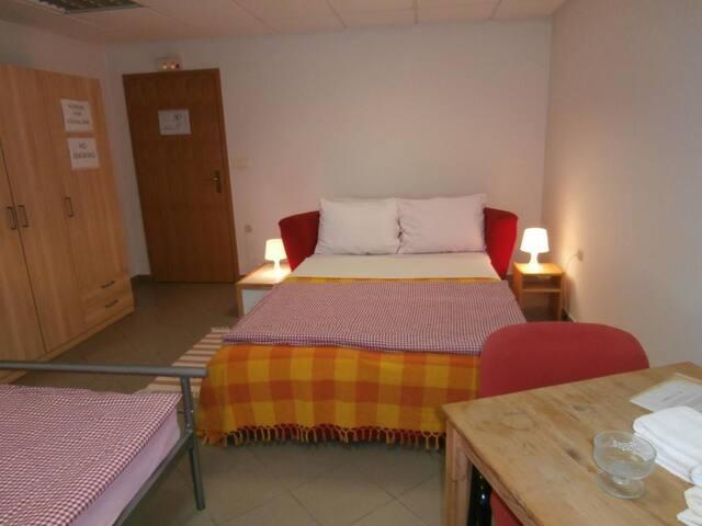 House Talas- Three Beds Room 2
