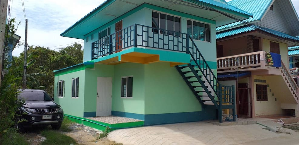 Private House, Clean, Comfortable and Safety