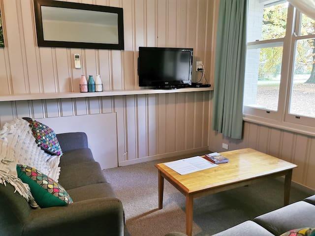 Unit 5 lounge