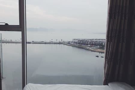 2 Bedrooms apartment with Bay view - Thành phố Hạ Long