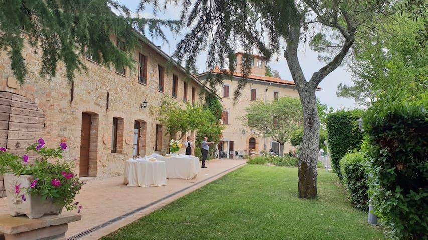 Villa Cesari Tiberi Historic Residence