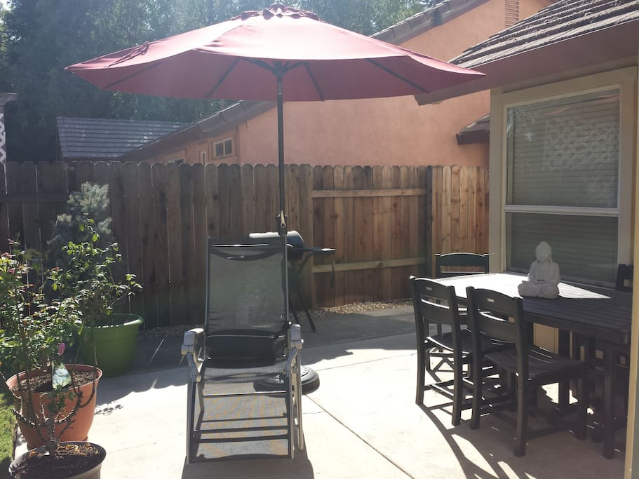 Backyard for lounging and BBQing.