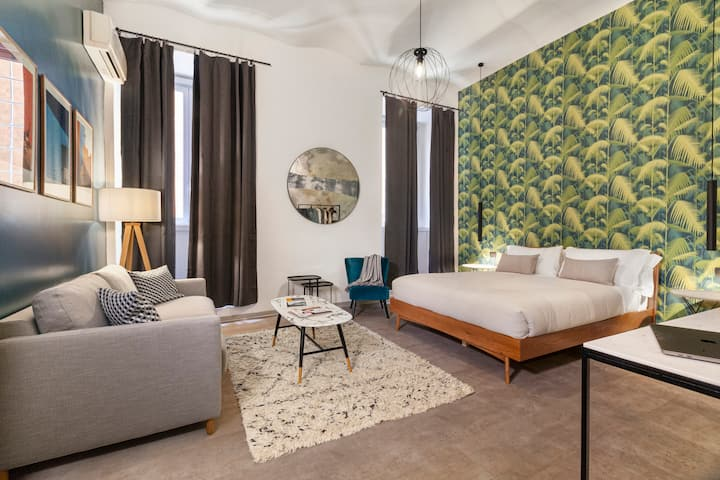 Designer Studio Apartment near Colosseum