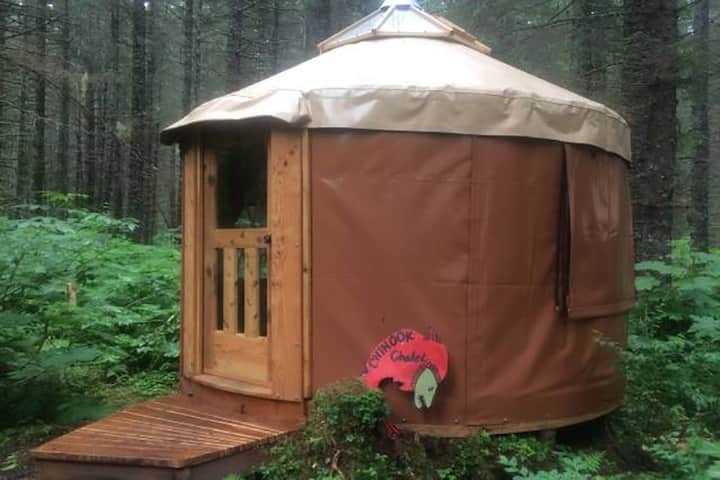Alaskan Yurt in Fairy Tale Forest-Halibut Hut