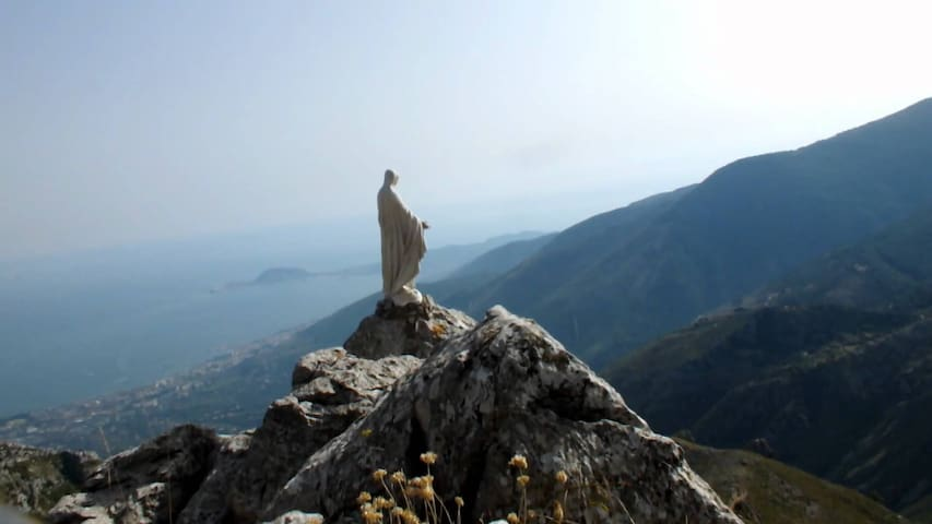 Tip of the Monti aurunci Redeemer mt 1252 location of formia