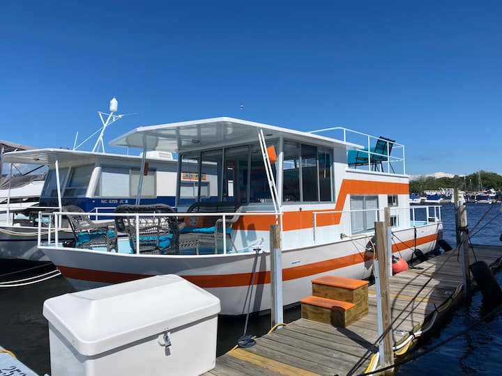 Stay on the water aboard Tangerine Dream!