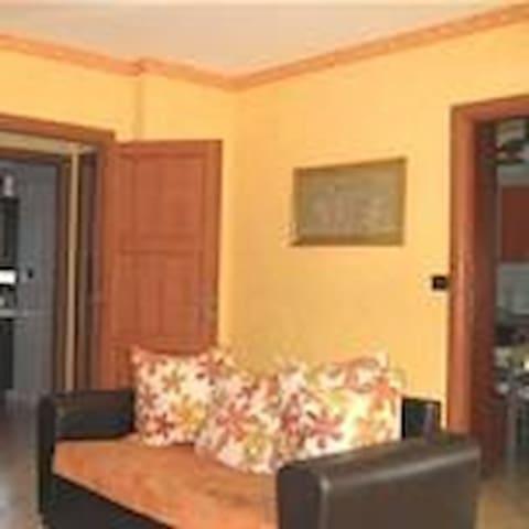 Appartamento di mq.140  tre camere letto - Ferriera - Apartment