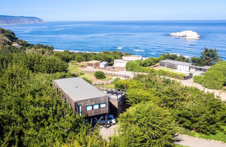 2 LUXURY RESIDENCE IN THE HEART OF MATANZAS, CHILE