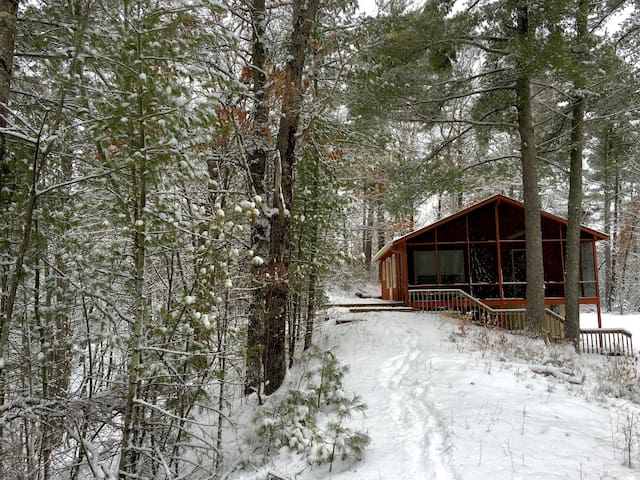 Wood River Retreat: Cozy Cabin near the St. Croix