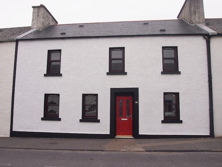 10 Charlotte Street, Port Ellen, Islay, PA42 7DF