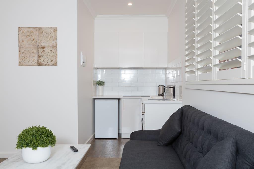 Studio Apartment Twin Queen