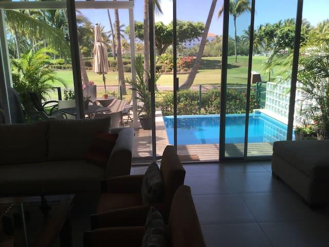 Habitación c/baño. Alberca/vista al Club de Golf - Puerto Vallarta - Talo