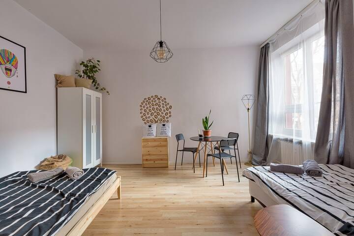 Coffee House, RYNEK