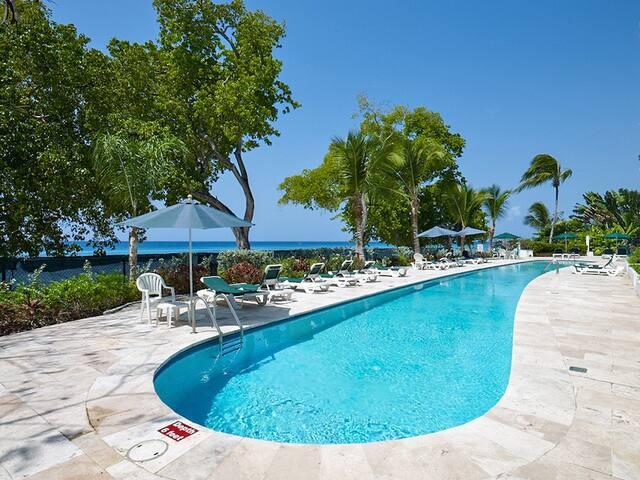 Waterside - 2 bedroom Beach Apt #204 - Waterside, Paynes Bay, Barbados