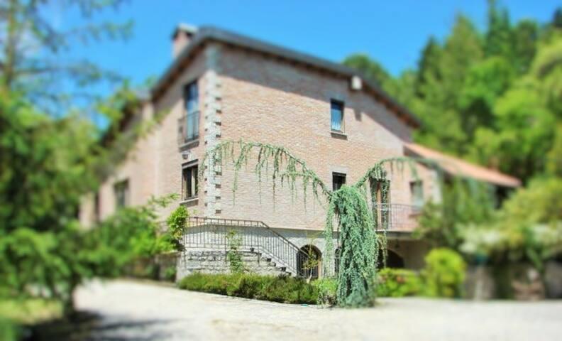 Villa immersa nel verde - Trivigno - Bed & Breakfast