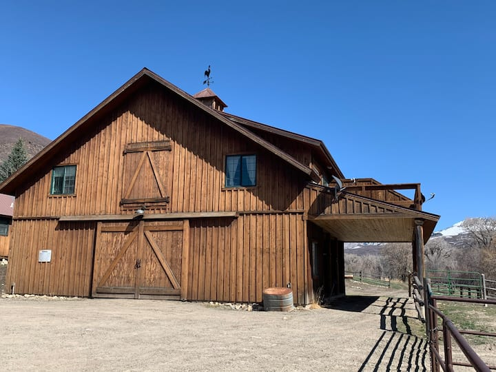 Wrangler 2nd story Barn Apt.