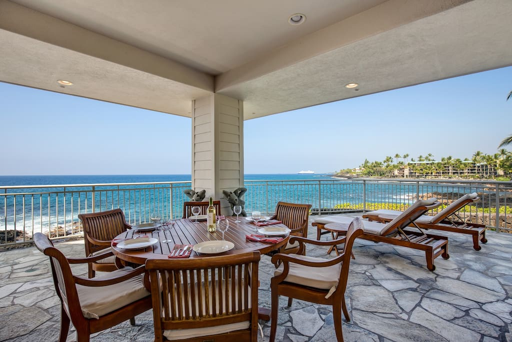 Outdoor Dining on Covered Lani with Incredible Ocean Front Views