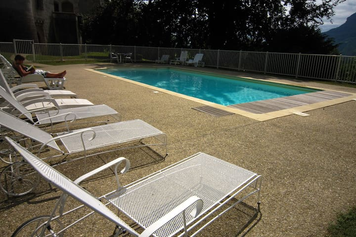 Castle apartment with swimming pool and beautiful view of Grand Colombier