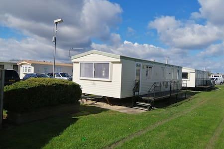 3 bedroomed 8 berth caravan on golden palm