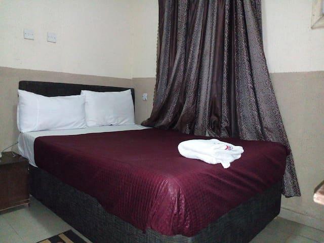 Ashosh Hotel - Budget Room