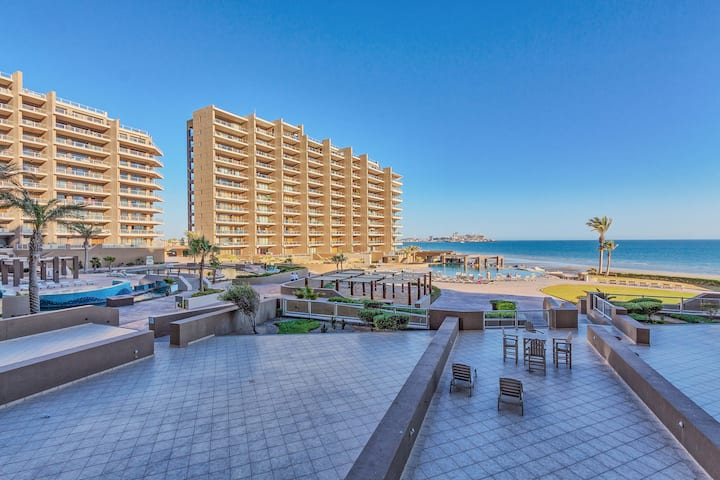 1 Bed Low Floor Condo - Steps Away From the Beach!