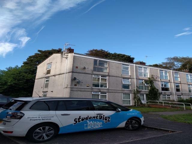 Top floor flat with nice views, sketty