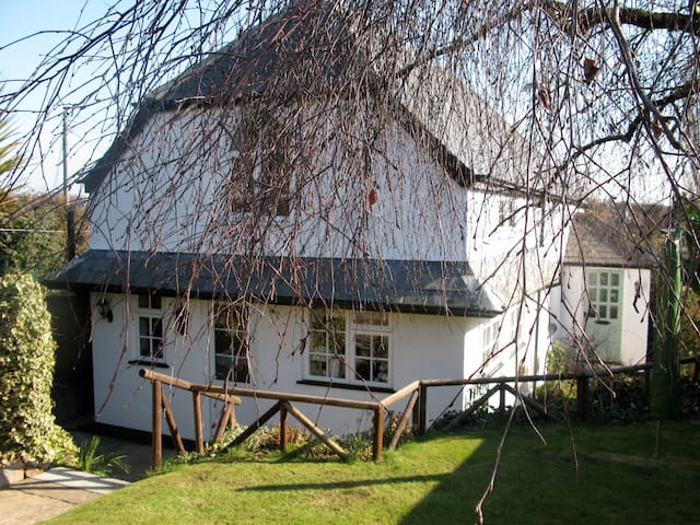 Rydon Lodge Cottage, Charming in every way.