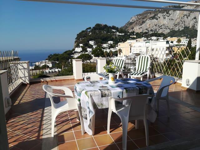 """""""La Terrazza di Eduardo"""" Casa centralissima, Capri"""