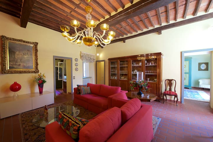 Elegant and airy apartment in the centre of Lucca - Lucca - Apartment