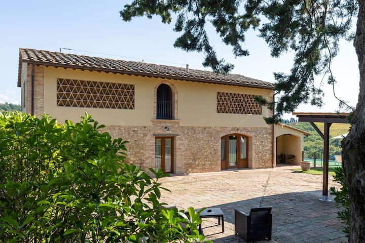Tranquil Farmhouse in Montespertoli with Private Pool