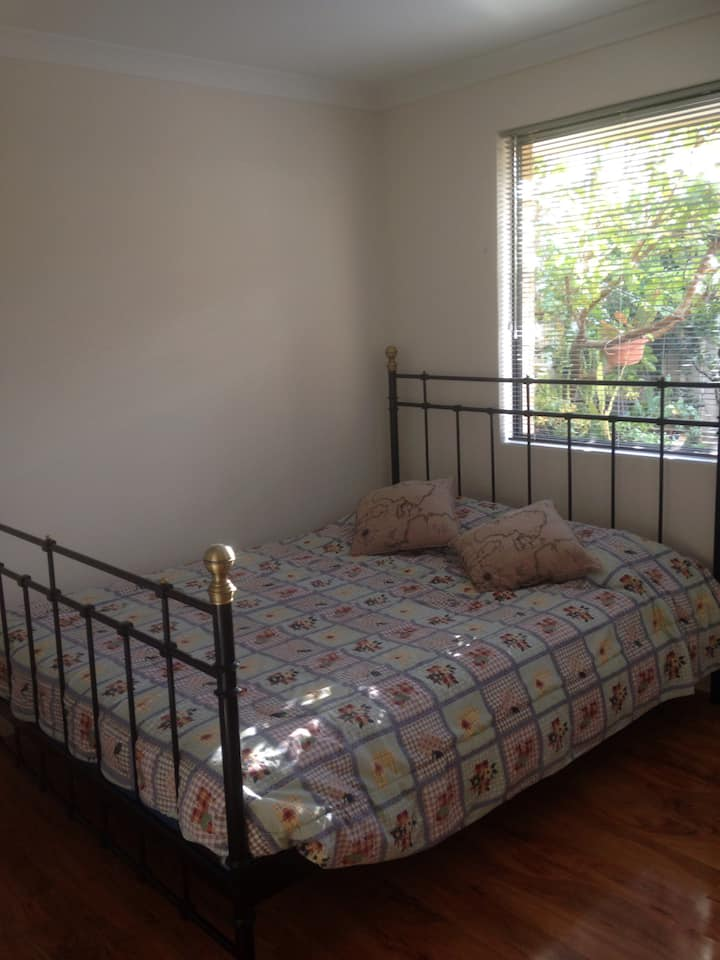 Lovely Fully Furnished 2Bedrooms! Short/Long Stay