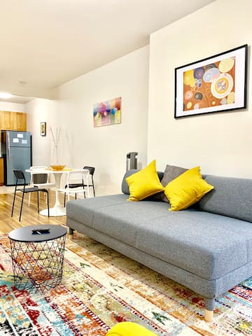 Stylish comfortable 2 beds apartment in HK 5ppl
