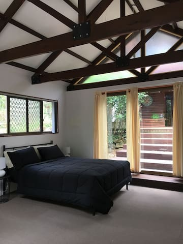 peaceful studio set on an acre - Murwillumbah