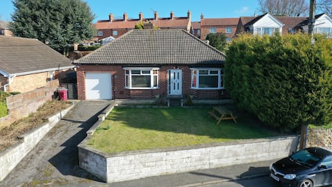 Cottage bungalow in lovely rural Lincolnshire town