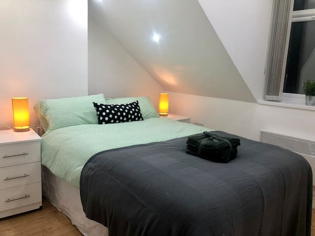 4 stay in style in smart central Cardiff apartment