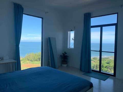 镇海角-火山岛白屿民宿【二个落地窗还带小阳台】看日出的大海景房