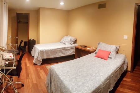 Furnished Room w/ 2 Twin Beds in Williamsville, NY - Williamsville