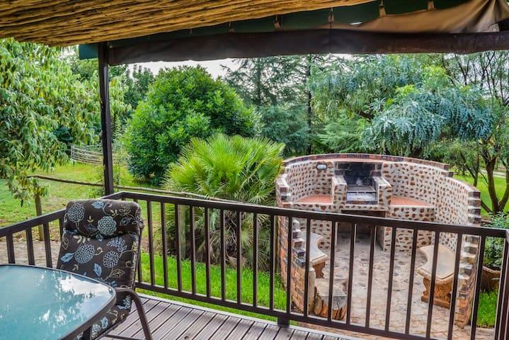 JACARANDA GARDEN SUITE - Krugersdorp - Apartment