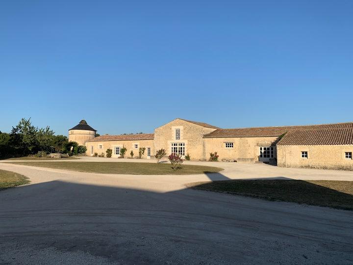 Studio à la campagne, axe Niort /  La Rochelle