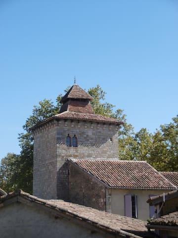 La vue sur la Tour de ville médiévale
