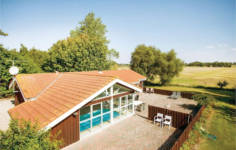Holiday cottage with 4 bedrooms on 152m² in Slagelse