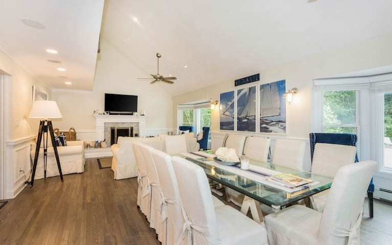 Wainscott Luxury Retreat / Private With Pool