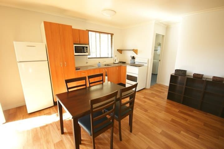 Travellers Flat (Cheap but close to Sawtell Beach) - Toormina - Overig