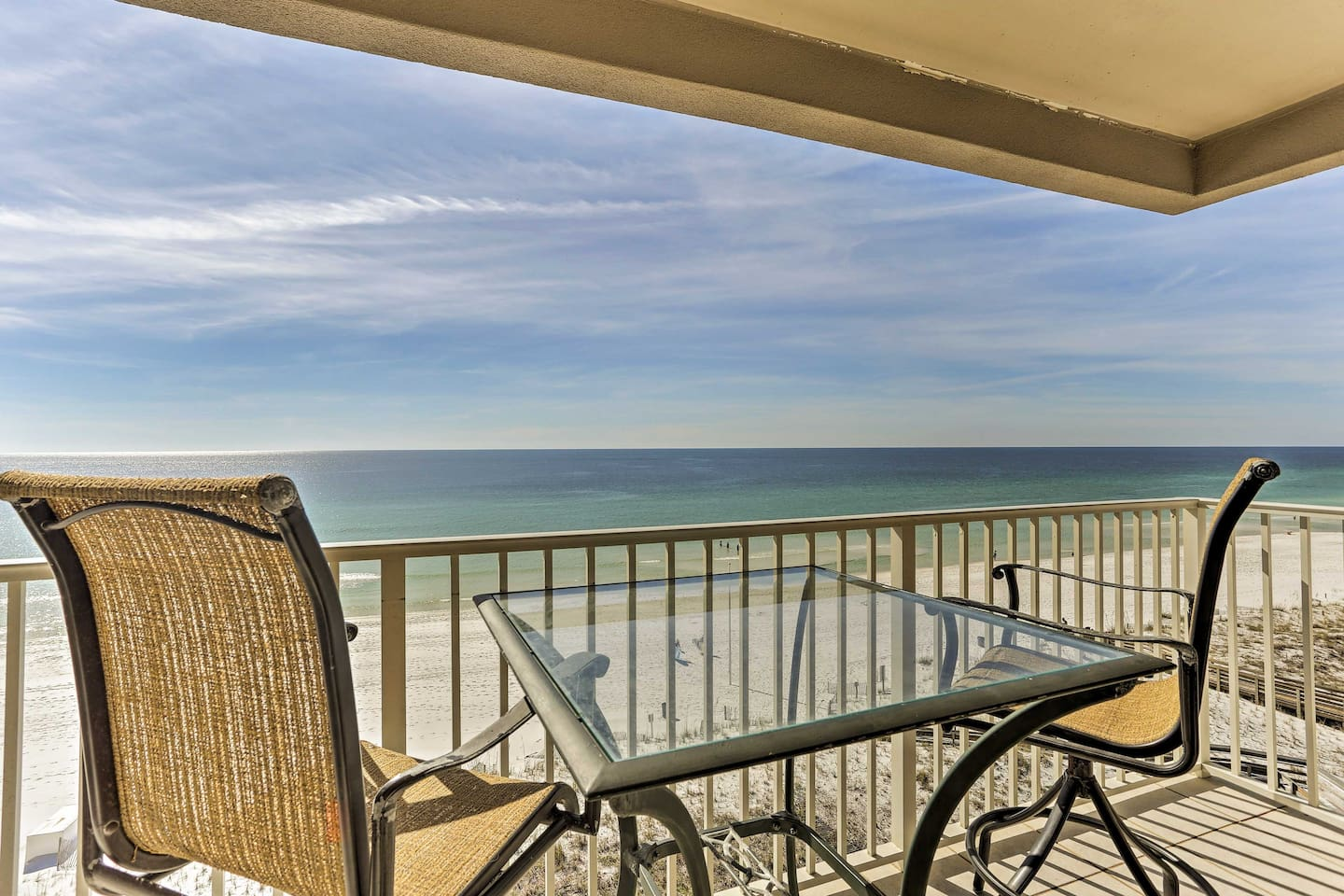 Enjoy beauty as far as the eye can sea from this Fort Walton Beach penthouse!