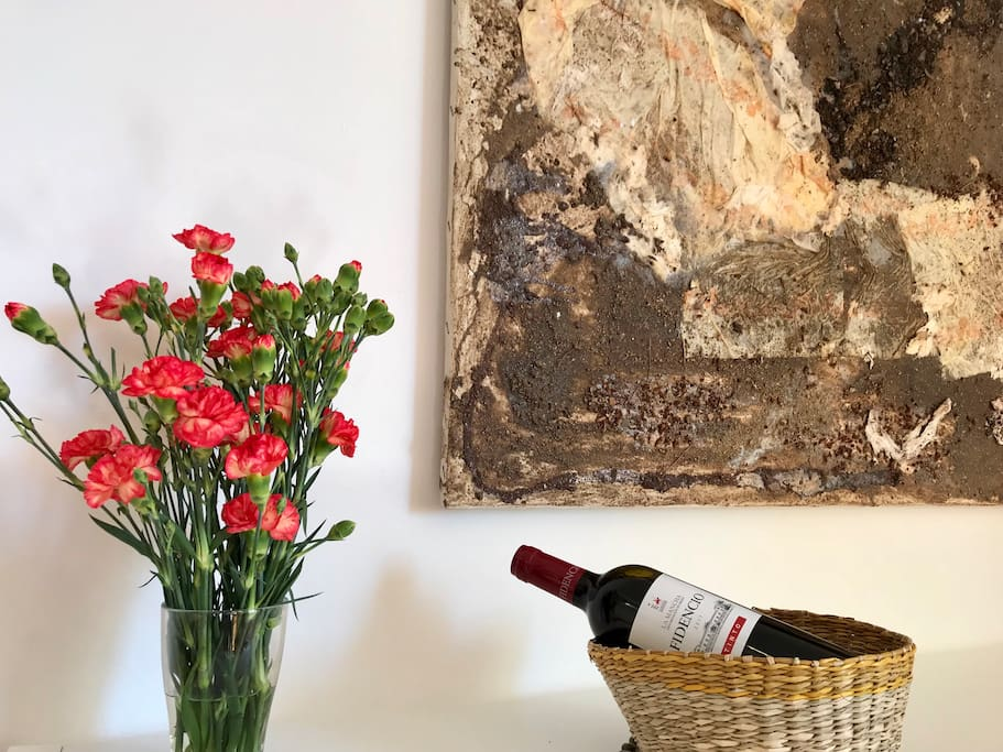 we love flowers, art and wine